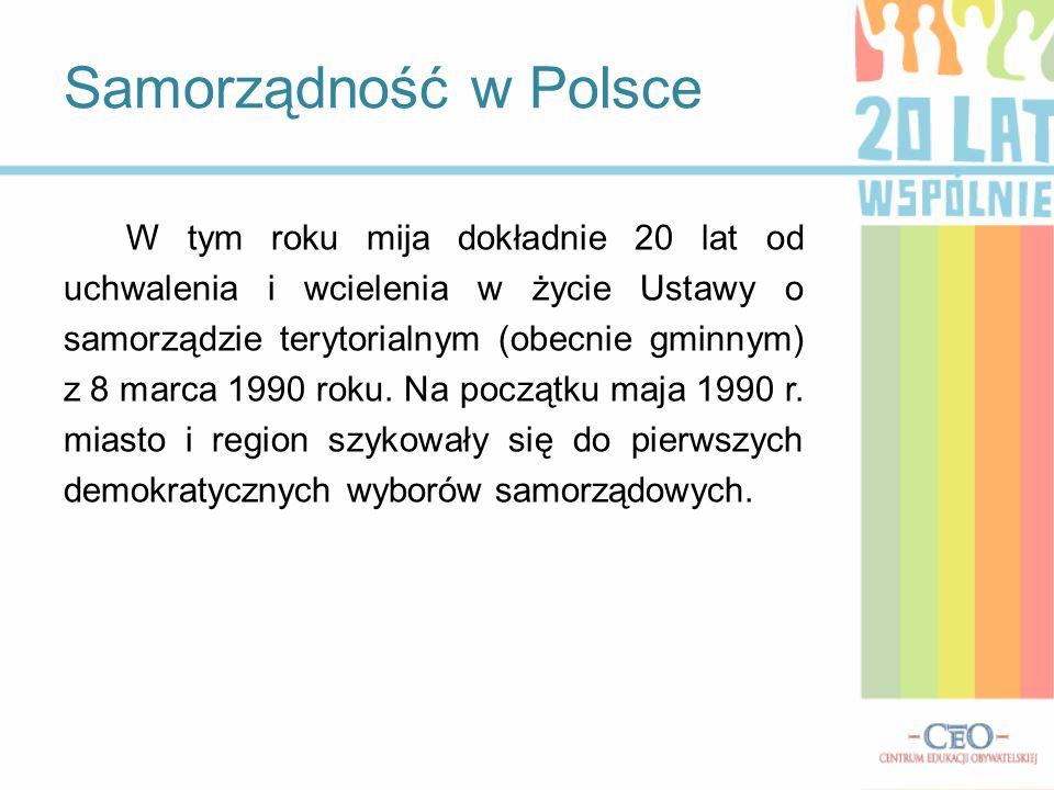 Ustawę przywracającą instytucje samorządu terytorialnego można uznać za postawienie fundamentu pod gmach nowej Rzeczypospolitej - ocenił w przesłaniu do samorządowców szef PE Jerzy Buzek.