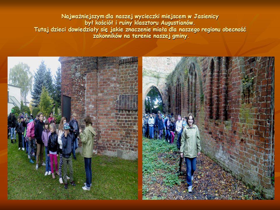 Najważniejszym dla naszej wycieczki miejscem w Jasienicy był kościół i ruiny klasztoru Augustianów.
