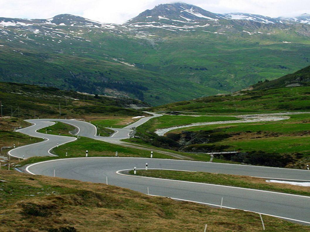 7.Przełęcz San Bernardino Szwajcaria Kolejna powtórka państwa w zestawieniu. Alpy jednak trudno zostawić w spokoju. Ta droga łączy miasta Misox i Hint