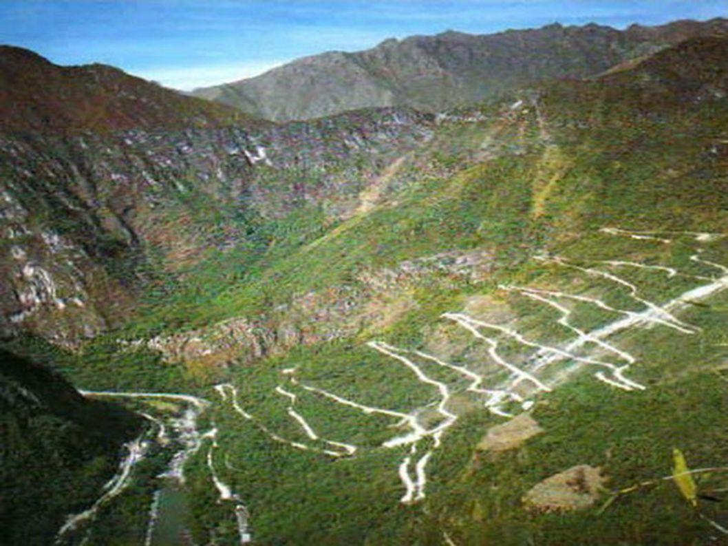 6.Przełęcz Los Caracoles – Andy Jeśli planujecie podróż do Ameryki Południowej, to powinniście odwiedzić tę drogę.