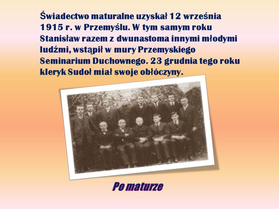 Po maturze Święcenia kapłańskie przyjął 1 czerwca 1919 r.