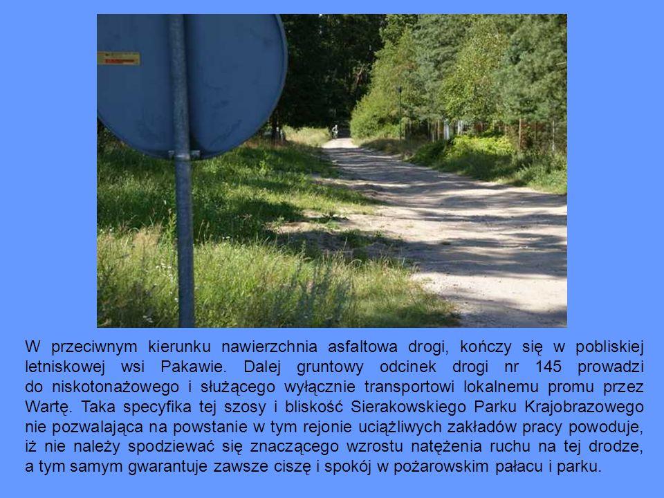 W przeciwnym kierunku nawierzchnia asfaltowa drogi, kończy się w pobliskiej letniskowej wsi Pakawie. Dalej gruntowy odcinek drogi nr 145 prowadzi do n
