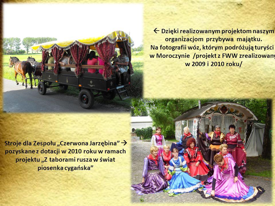 """ Te stroje zostały również zakupione z dotacji otrzymanej przez KGW Moroczyn podczas realizacji projektu """"Raj dla motyli w 2010 roku."""