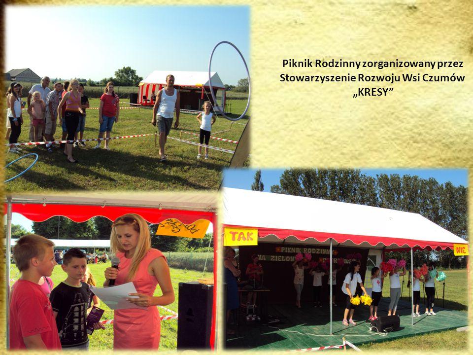 Zdjęcia prezentują członkinie KGW w Ślipczu w czasie różnych uroczystości