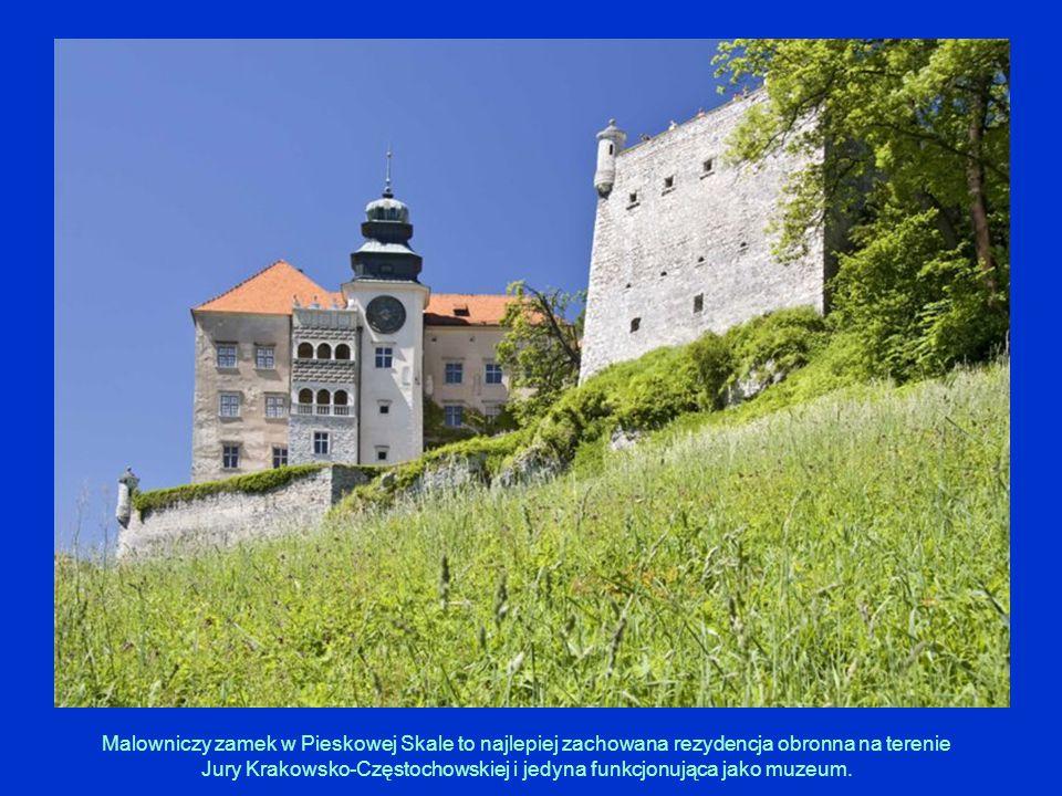 Malowniczy zamek w Pieskowej Skale to najlepiej zachowana rezydencja obronna na terenie Jury Krakowsko-Częstochowskiej i jedyna funkcjonująca jako muz