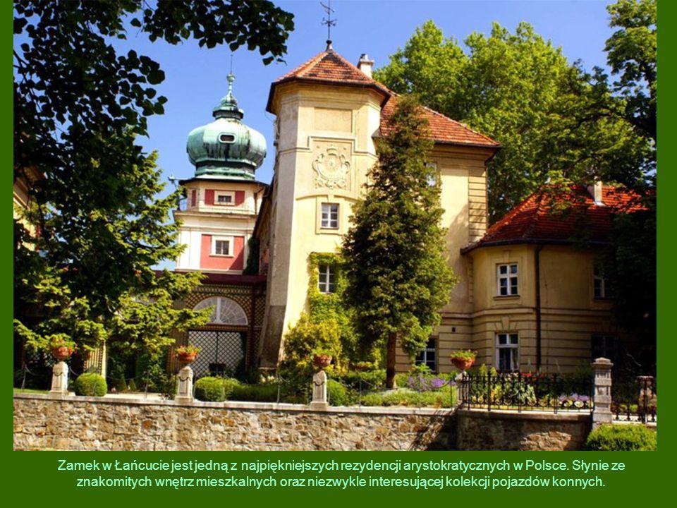 Zamek w Łańcucie jest jedną z najpiękniejszych rezydencji arystokratycznych w Polsce. Słynie ze znakomitych wnętrz mieszkalnych oraz niezwykle interes