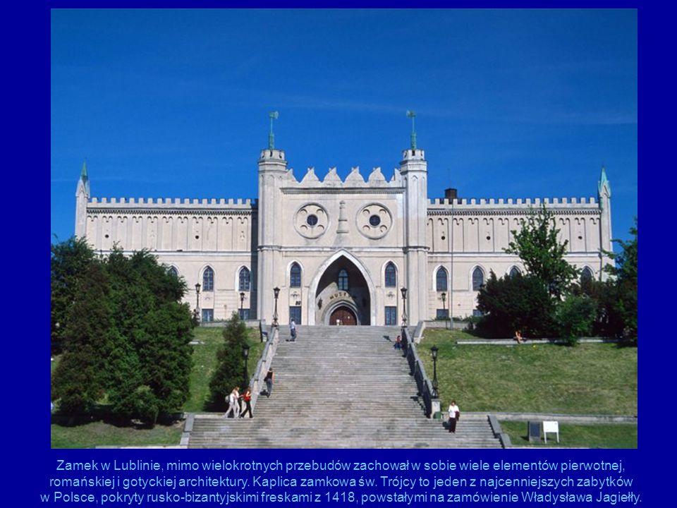 Zamek w Lublinie, mimo wielokrotnych przebudów zachował w sobie wiele elementów pierwotnej, romańskiej i gotyckiej architektury. Kaplica zamkowa św. T