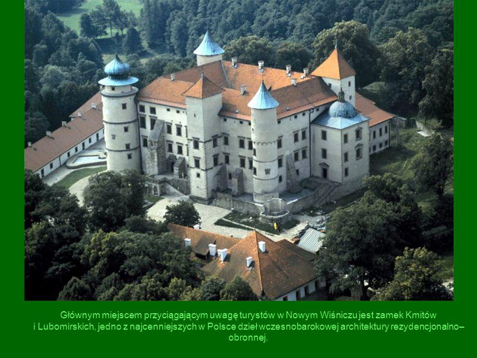 Głównym miejscem przyciągającym uwagę turystów w Nowym Wiśniczu jest zamek Kmitów i Lubomirskich, jedno z najcenniejszych w Polsce dzieł wczesnobaroko
