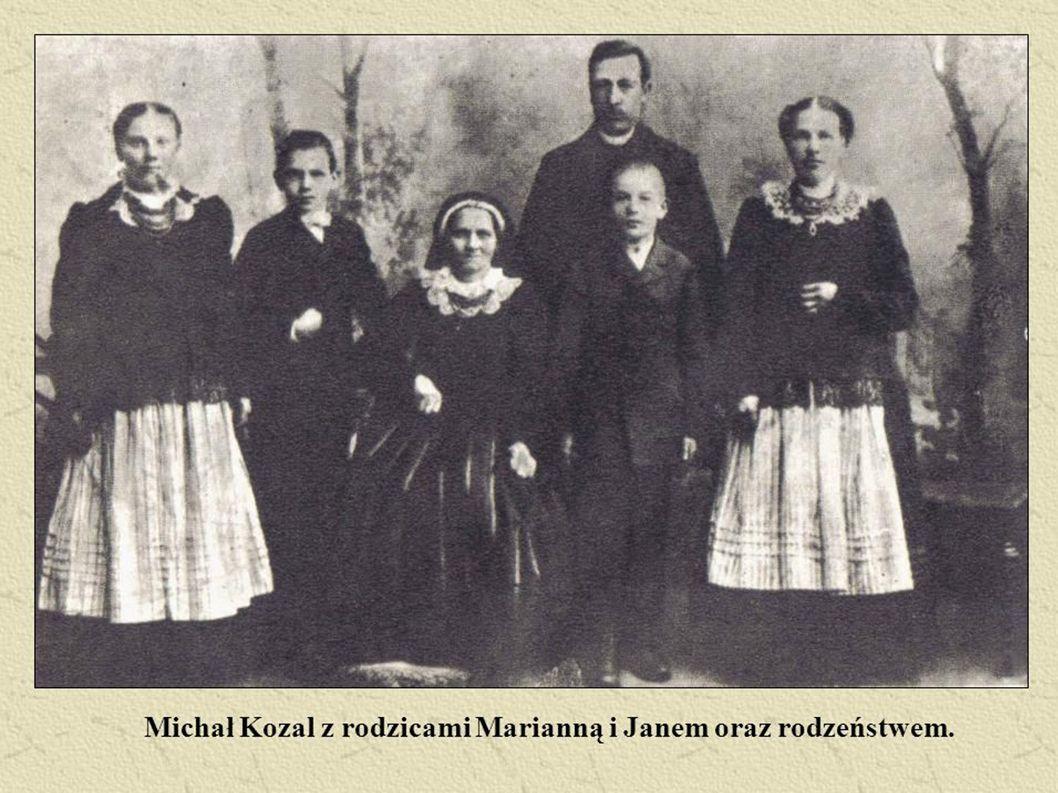 W 1914r. wstąpił do Seminarium Duchownego w Poznaniu