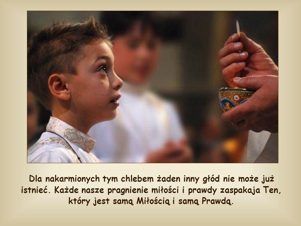 Lecz jest to największy dar, jaki Jezus pragnie pozostawić ludzkości: swoją obecność w sakramencie Eucharystii, która syci duszę i ciało, daje pełnię