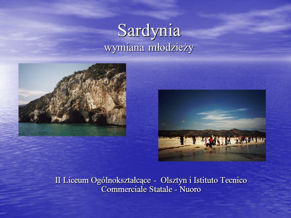 Nawiązanie kontaktu z Sardynią W lutym 2001 roku nasza szkoła nawiązała kontakt ze szkołą z Sardynii przez biuro integracji europejskiej.