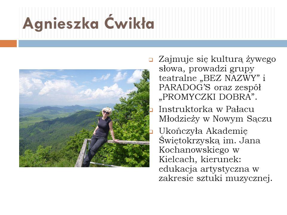 Danuta Sułkowska  Pisze wiersze oraz mniejsze i większe formy prozatorskie, m.in.