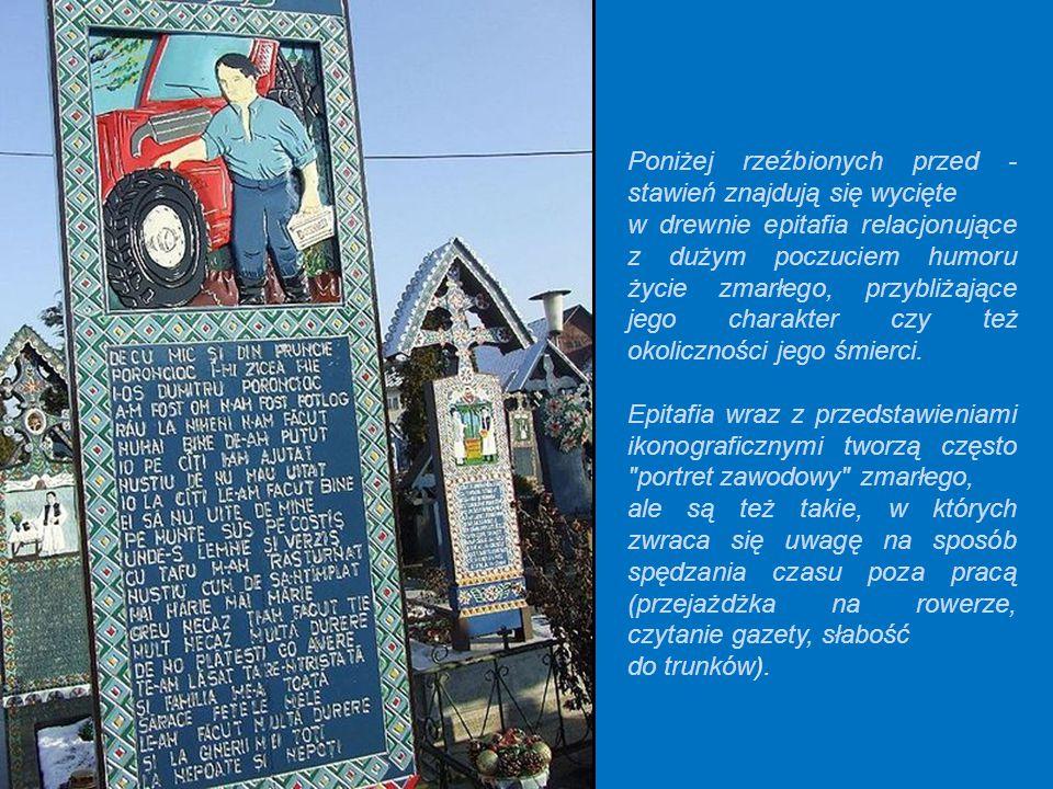 Na krzyżach nagrobnych dominuje kolor niebieski, czy też raczej jasnogranatowy. Na tym tle widnieją różnobarwne napisy i obrazy.