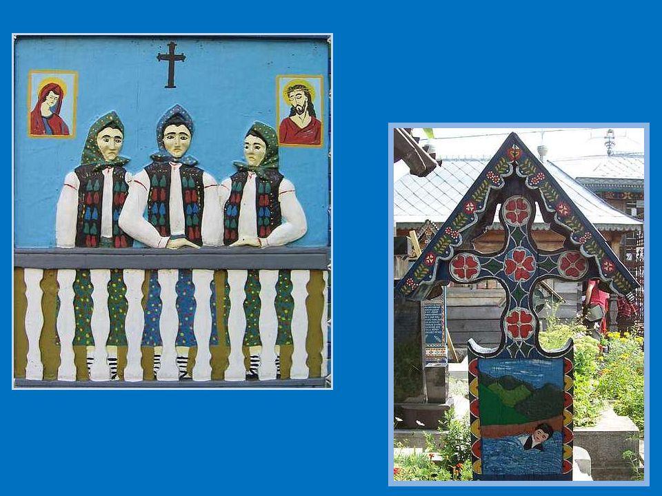 Krzyże są robione z dębiny malowanej na niebiesko, co wyraża nadzieję i wolność.