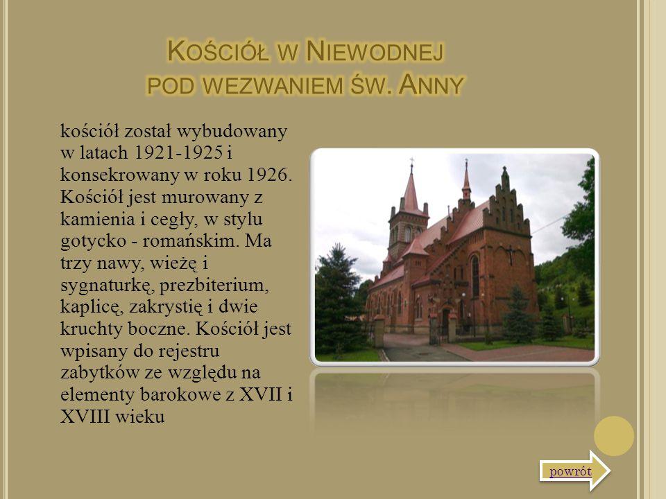 kościół został wybudowany w latach 1921-1925 i konsekrowany w roku 1926. Kościół jest murowany z kamienia i cegły, w stylu gotycko - romańskim. Ma trz