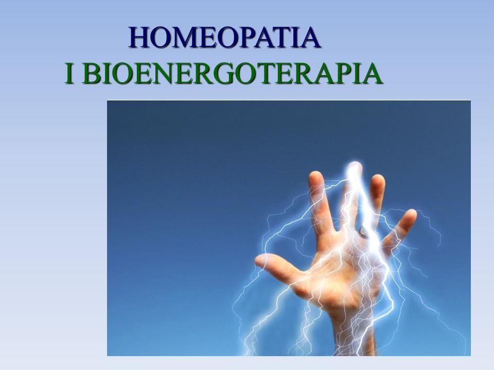 HOMEOPATIA DEFINICJA Homeopatia - to metoda leczenia, polegająca na stosowaniu małych dawek rozcieńczonych substancji, które w dużym stężeniu wywołują objawy danej choroby.