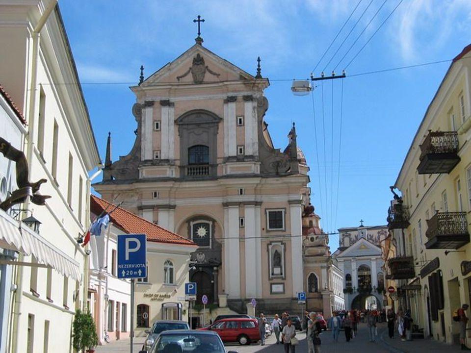 Ul. Ostrobramska, Kościół św. Teresy.