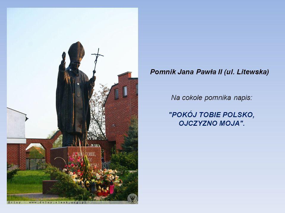 Pomnik świeckiego Błogosławionego Edmunda Bojanowskiego w ogrodach Papieskiego Wydziału Teologicznego przy ul. Katedralnej