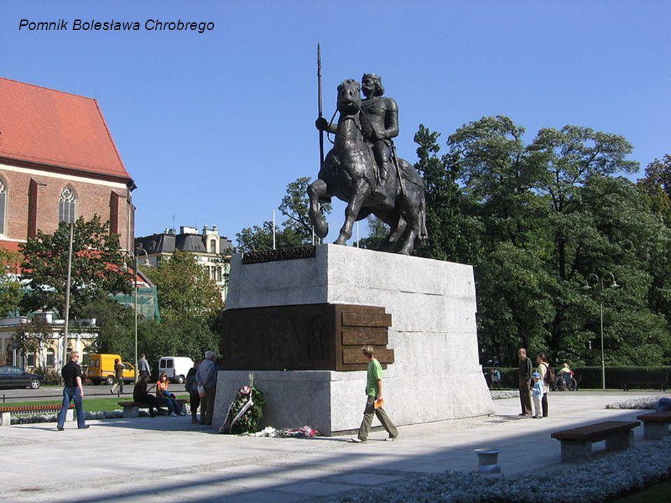 Fontanna z Szermierzem (niem.Fechterbrunnen) przed Uniwersytetem Wrocławskim.