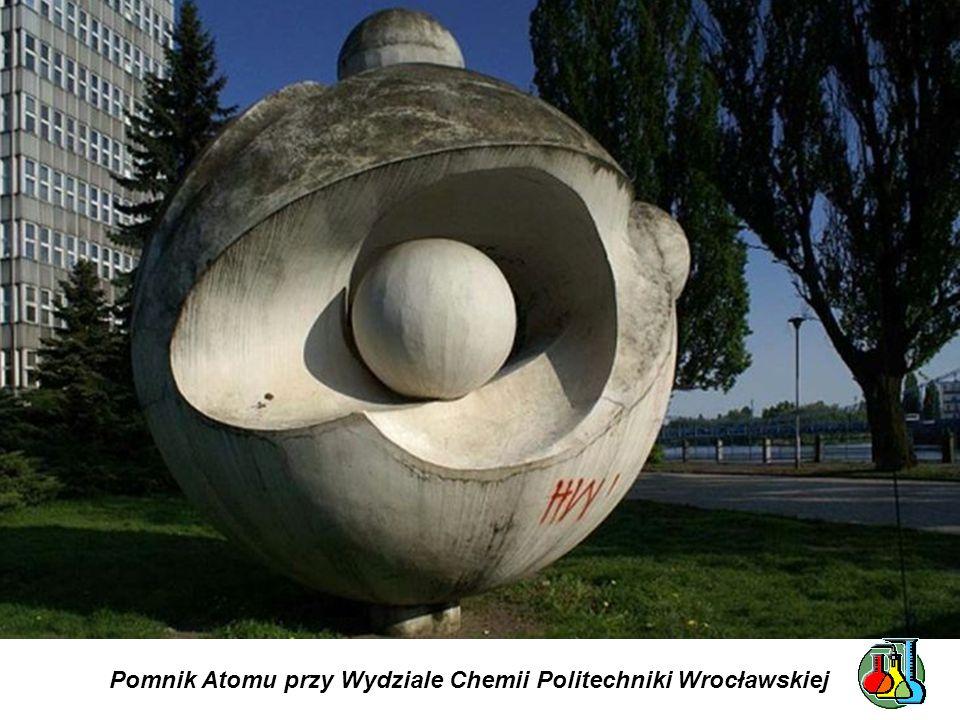 Fontanna z rzeźbami - alegoriami Walki i Zwycięstwa - na pl. Jana Pawła II we Wrocławiu. Odsłonięta w sierpniu 1905. Z lewej strony: atleta walczący z