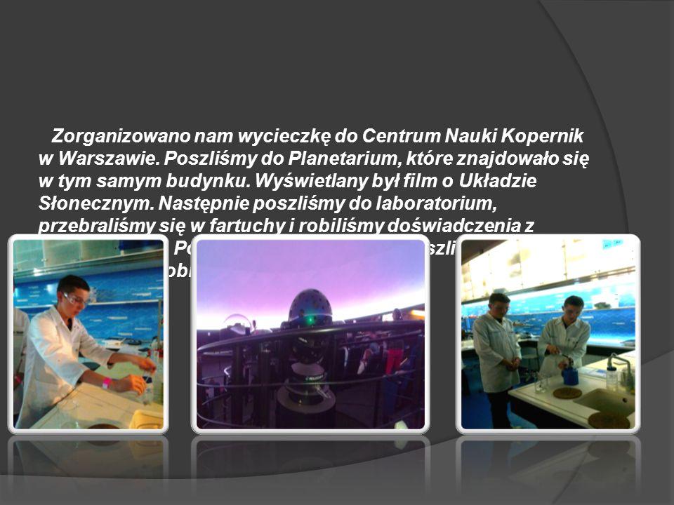 Zorganizowano nam wycieczkę do Centrum Nauki Kopernik w Warszawie. Poszliśmy do Planetarium, które znajdowało się w tym samym budynku. Wyświetlany był
