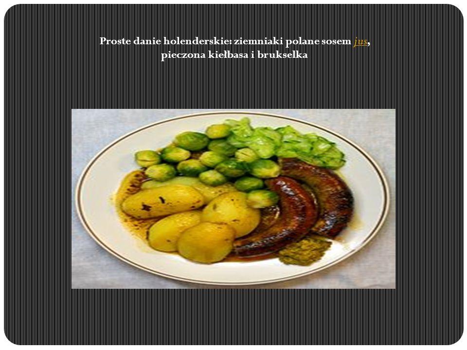 Proste danie holenderskie: ziemniaki polane sosem jus, pieczona kiełbasa i brukselkajus