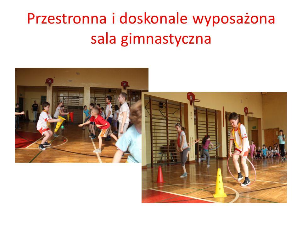 Przestronna i doskonale wyposażona sala gimnastyczna