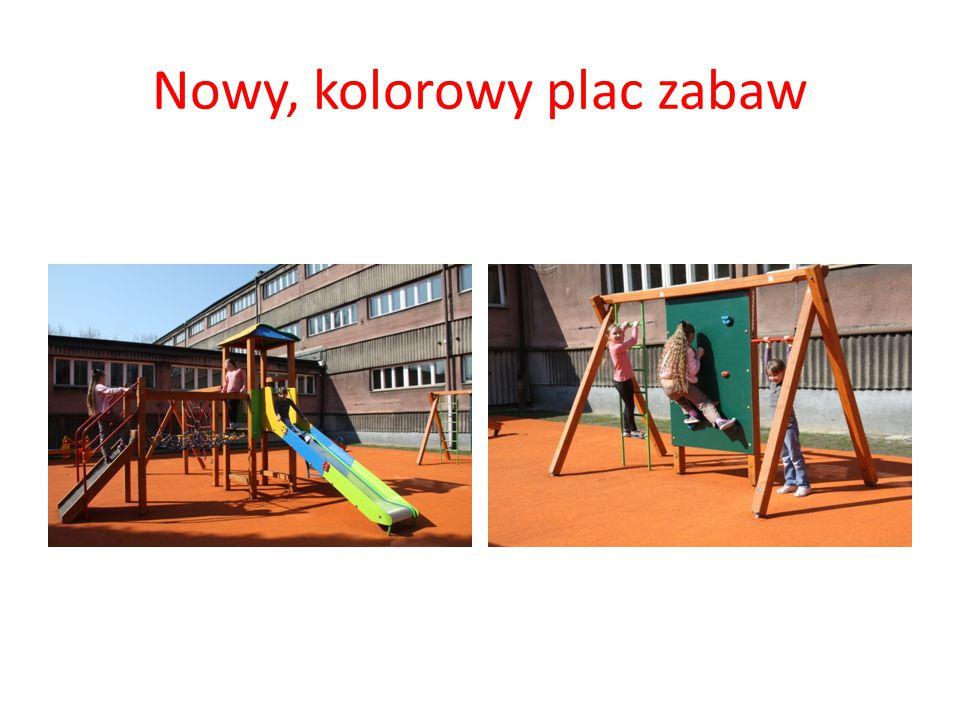 Nowy, kolorowy plac zabaw