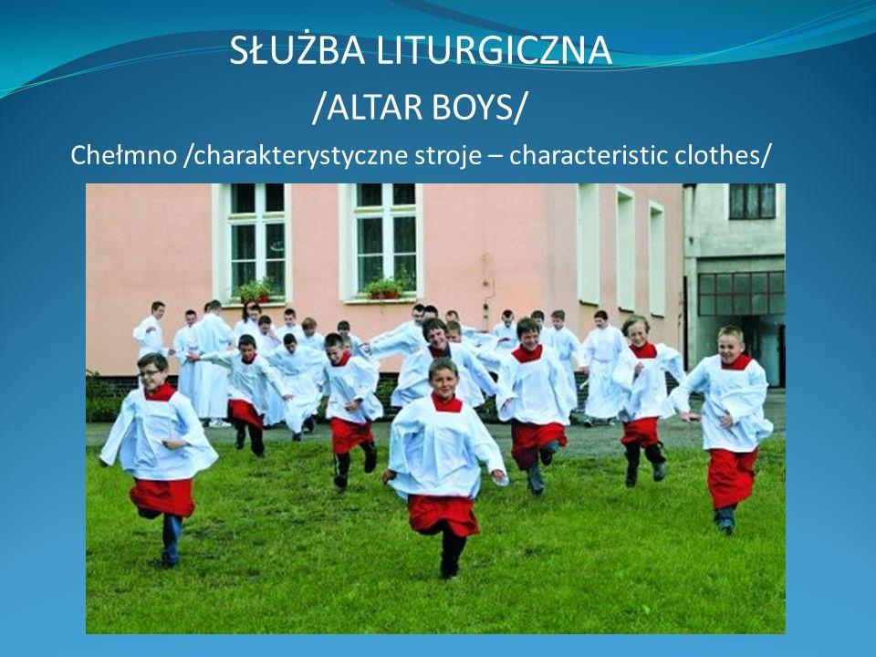 SŁUŻBA LITURGICZNA /ALTAR BOYS/ Częstochowa /drużyna ministrantów – soccer team of altar boys/