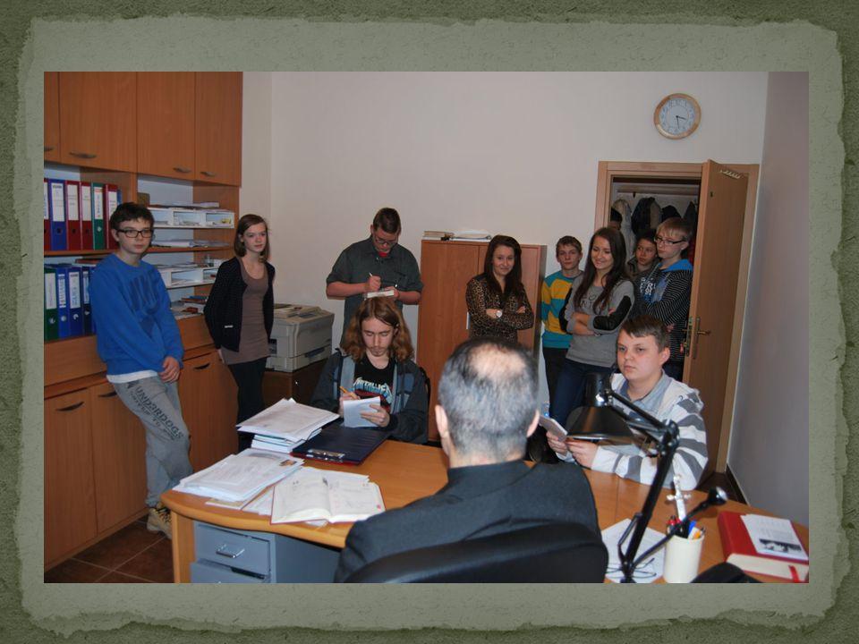 Tablica z okazji trzydziestolecia działalności duszpasterskiej w naszej parafii księdza proboszcza Stanisława Szymkowiaka.