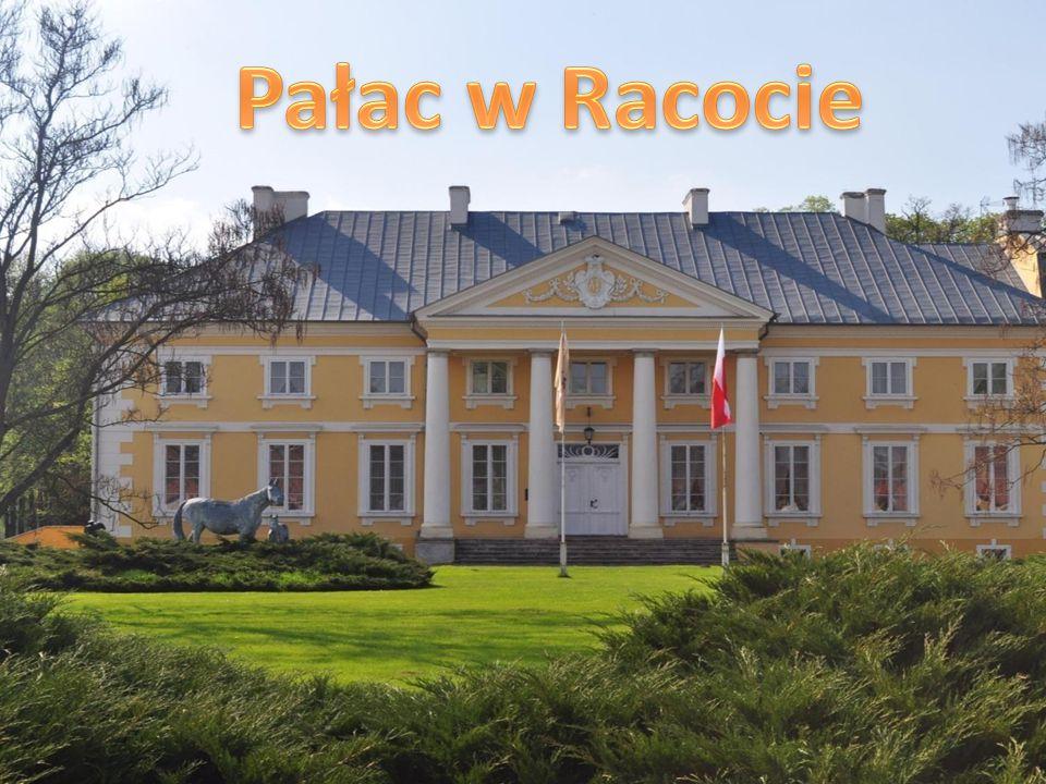 Ten klasycystyczny XVIII-wieczny Pałac książąt Jabłonowskich jest prawdziwą ozdobą Racotu i tutejszej Stadniny Koni.