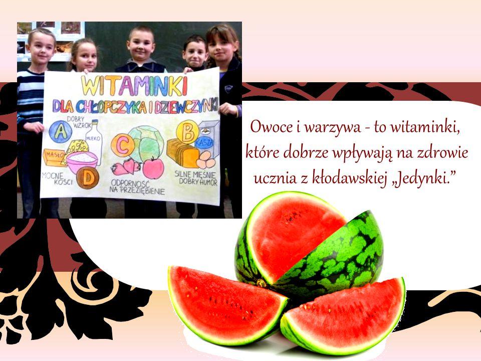 """Owoce i warzywa - to witaminki, które dobrze wpływają na zdrowie ucznia z kłodawskiej """"Jedynki."""