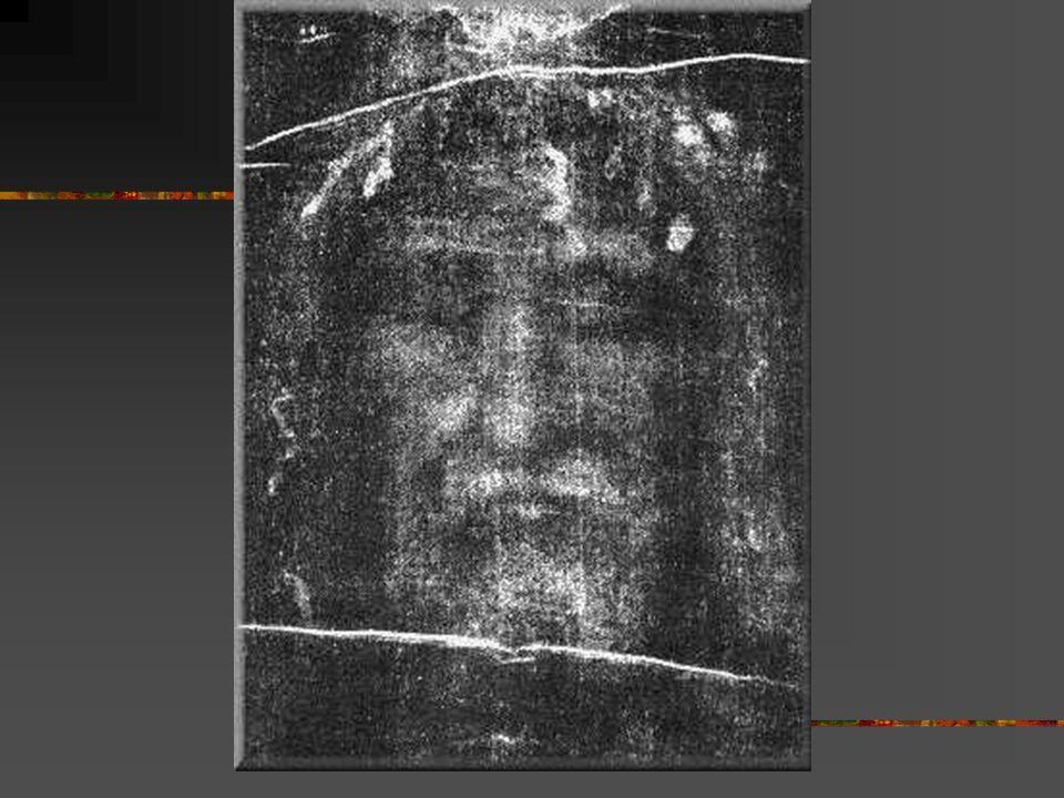 Niepokojąca obecność Całun Turyński jest dokumentem szczególnym: zdaniem naukowców niezwykle prawdopodobna jest hipoteza, że widniejąca na nim postać,