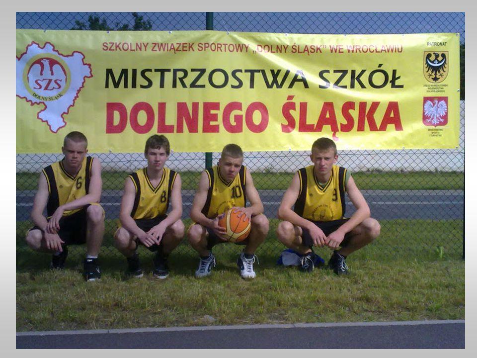 Skład drużyny: Piotr Dąbrowski, Bartek Nadolski, Bartosz Taraszkiewicz, Piotr Starczyk Opiekun i trener drużyny: p. Artur Czekański