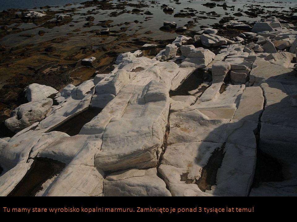 Tu mamy stare wyrobisko kopalni marmuru. Zamknięto je ponad 3 tysiące lat temu!
