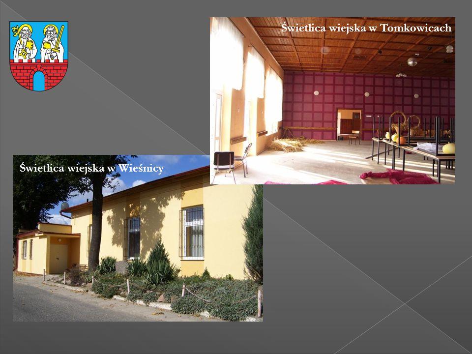 Świetlica wiejska w Wieśnicy Świetlica wiejska w Tomkowicach