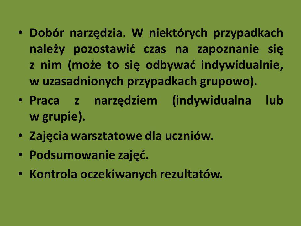 """Maria Molicka """"Bajko-terapia O lękach dzieci i nowej metodzie terapii, Media Rodzina, Poznań 2003 Bajka – krótki dowcipny utwór, najczęściej poetycki, o charakterze satyrycznym lub dydaktyczny, mogą występować czarodziejskie postacie (nie pomagają), wiek od 4 do 9 lat, Baśń – utwór narracyjny, folklorystyczny, gdzie zachowany jest obiektywny stosunek autora do opisywanych wydarzeń, magia pomaga rozwiązywać problemy bohaterów, granice rzeczywistości i baśniowości wyraźnie oddzielone"""
