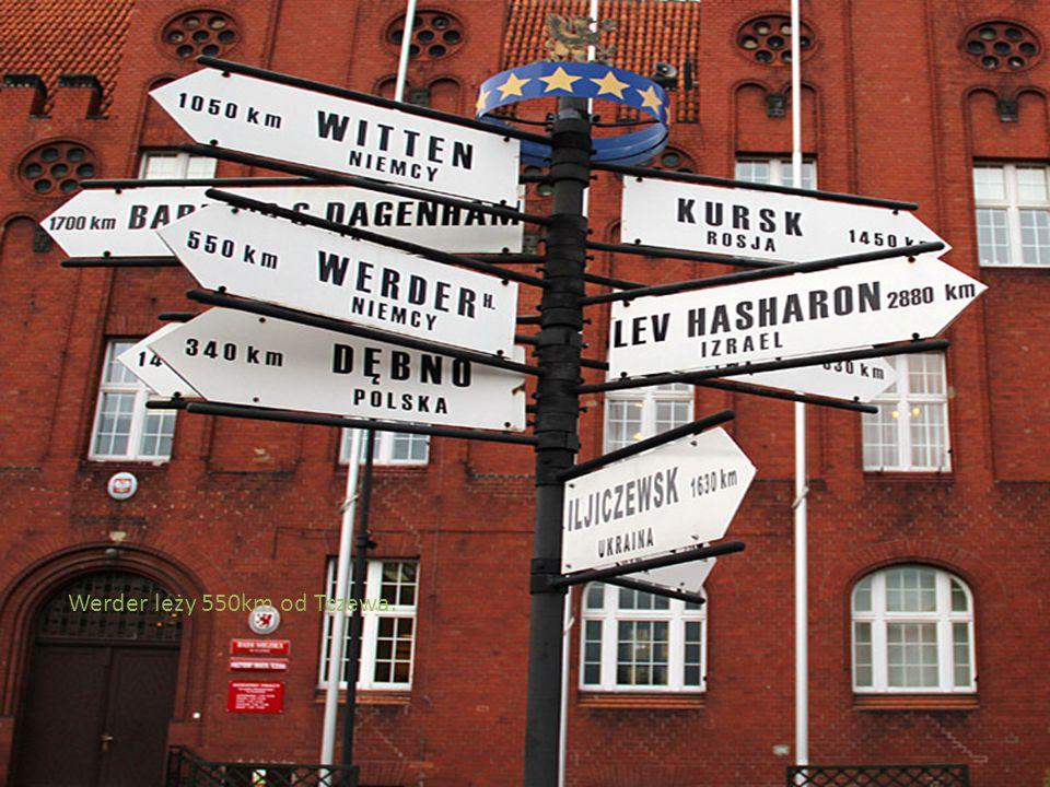 Werder leży 550km od Tczewa.