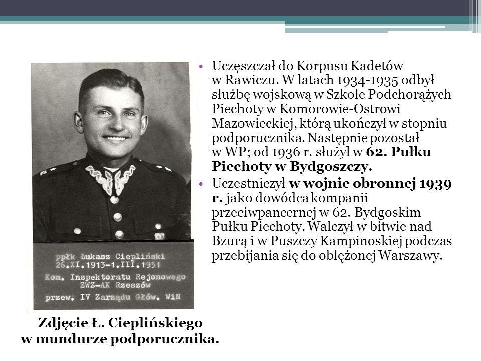 Uczęszczał do Korpusu Kadetów w Rawiczu. W latach 1934-1935 odbył służbę wojskową w Szkole Podchorążych Piechoty w Komorowie-Ostrowi Mazowieckiej, któ