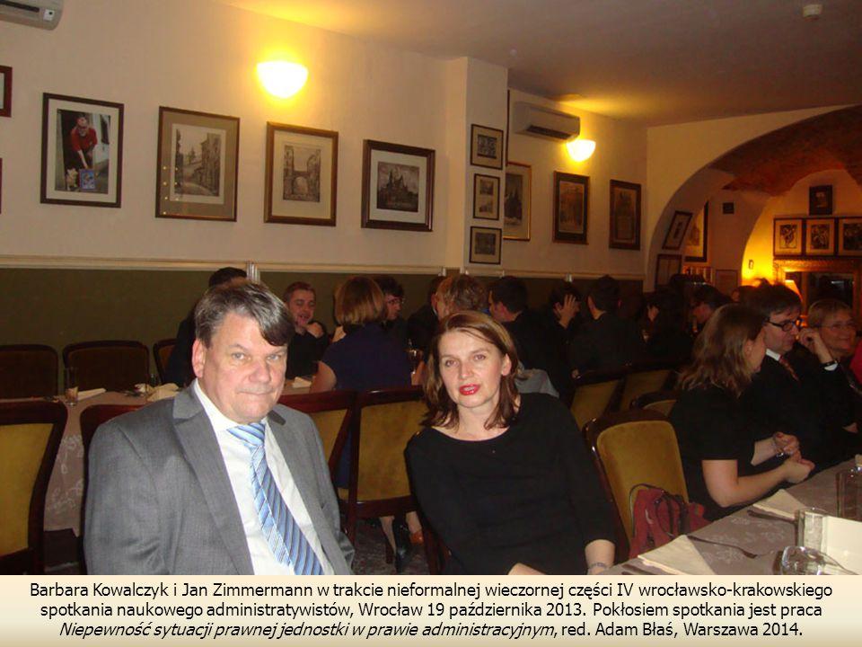 Barbara Kowalczyk i Jan Zimmermann w trakcie nieformalnej wieczornej części IV wrocławsko-krakowskiego spotkania naukowego administratywistów, Wrocław 19 października 2013.