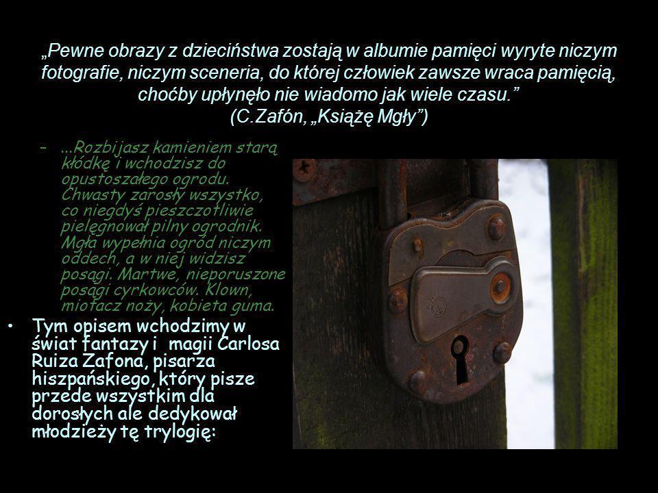 STRASZLIWA HISTORIA SPRZED 25 LAT Następnie dziwny ogród, pełen kamiennych postaci i...